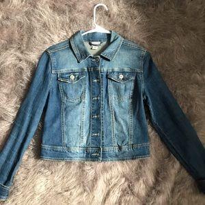 Light wash jean jacket!!